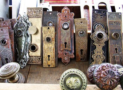 vintage Antique Shops NYC: The Quintessential List